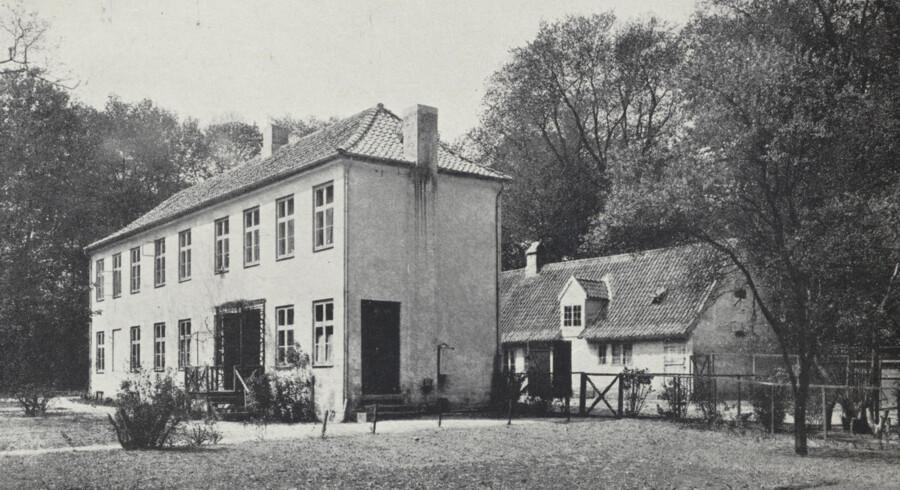 Fasangården i Frederiksberg Have, hvor bl.a. digterne Oehlenschlæger og Carsten Hauch havde sommerbolig i midten af 1800-tallet. Foto: 1905, Før og nu, 6. årg.
