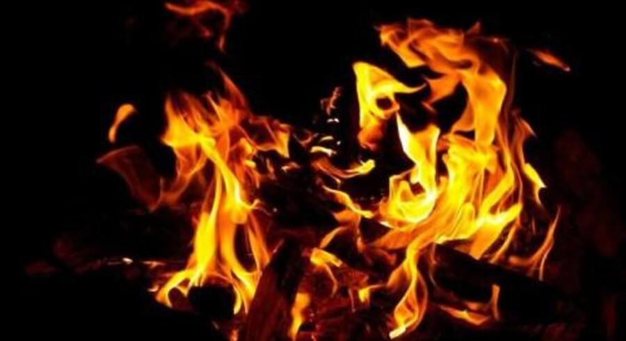 En person har søndag mistet livet, da en voldsom brand hærgede et kompleks med ældreboliger på H I Bies Plads i midten af Hobro. Adskillige beboere er blevet evakueret, oplyser Nordjyllands Politi. Free/Colourbox