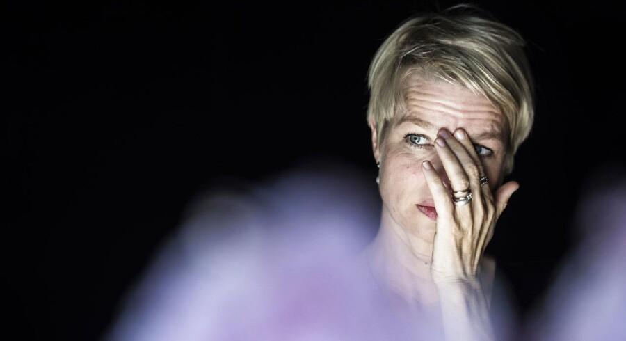 """Linn Ullmann er aktuel med romanen """"De urolige"""". Bogen tager udgangspunkt i det selvbiografiske - især omkring hendes forældre, Ingmar Bergman og Liv Ullmann."""