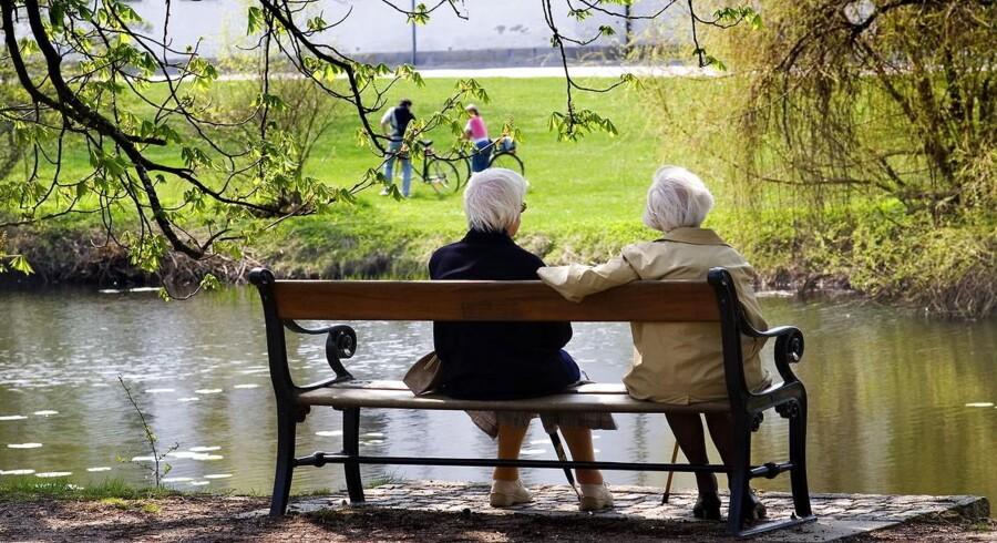 PLUS-historie. Folketinget drøfter i dag et nyt nøk opad på pensionsalderen. Men det duer kun, hvis de mest nedslidte kan slippe over på seniorførtidspension, lyder kritikken.