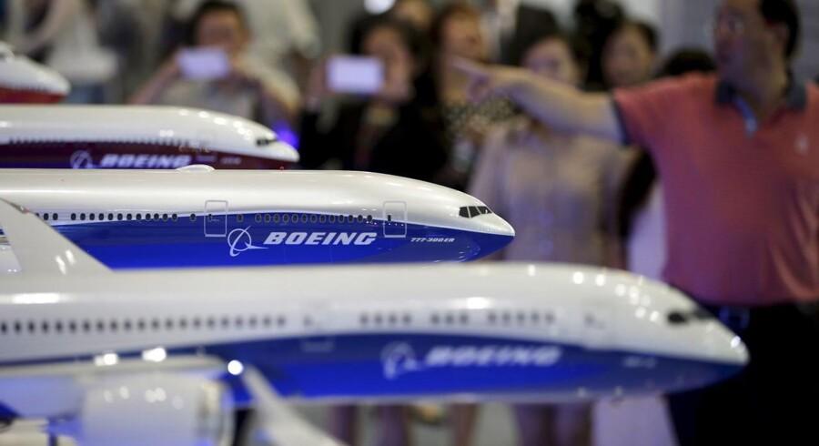 """Boeing har opsagt godt 5 pct. af dens kommercielle enhed med beskeden om, """"at priserne på nuværende tidspunkt vægter højere end nogensinde i salgskampagnerne"""", og at det derfor har været nødvendigt at reducere arbejdsstyrken internt."""