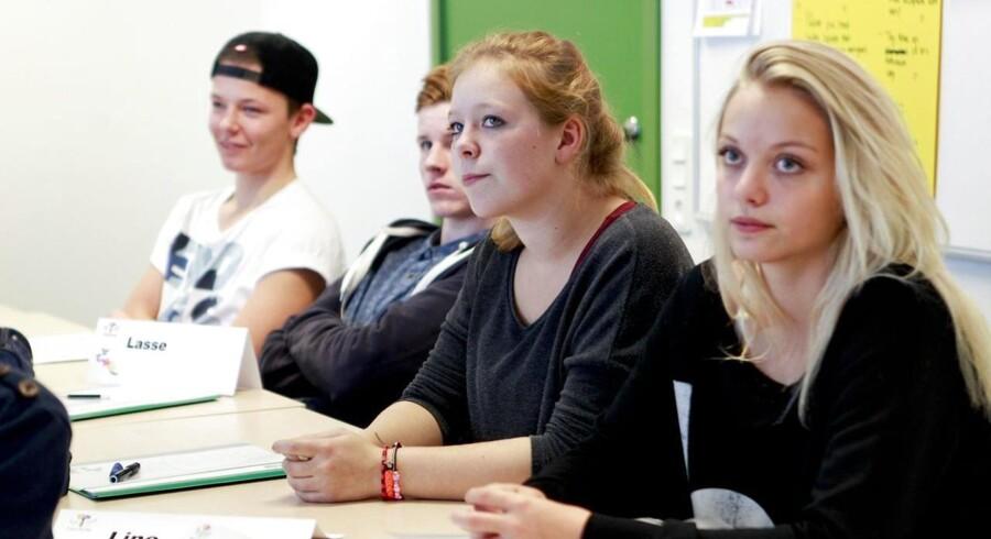 A.P. Møller Fonden givet en milliard kr. til at løfte niveauet i folkeskolen - og det er ikke til at opstøve én eneste ærlig protest. Det var utænkeligt for 20-30 år siden. .