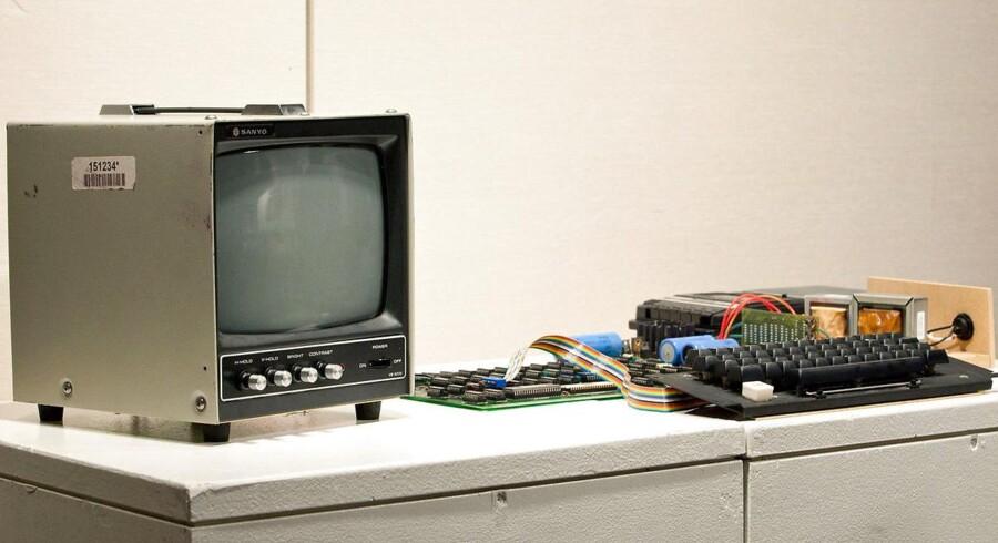 Det var en Apple 1-computer som denne fra 1976, en californisk kvinde sendte på genbrugspladsen.