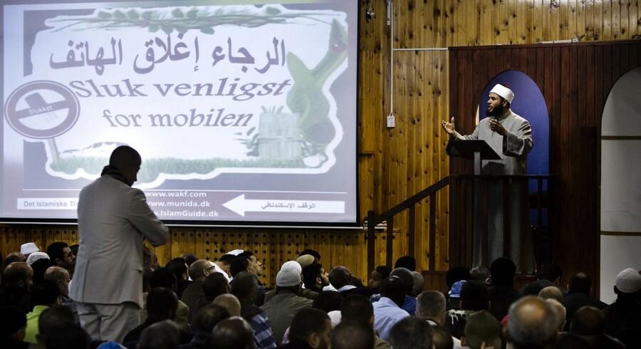 Islamisk Trossamfund har flere gange forsøgt at komme i dialog med politiker, der har nægtet.