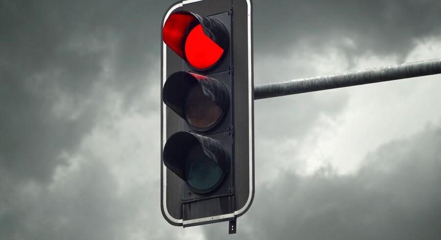 Mørkeskyer og stopforbud lurer stadig forude for fire statslige IT-projekter med budgetter på over ti millioner kroner, fordi de enten er kraftigt forsinket eller har overskredet budgetterne. Foto: Iris/Scanpix