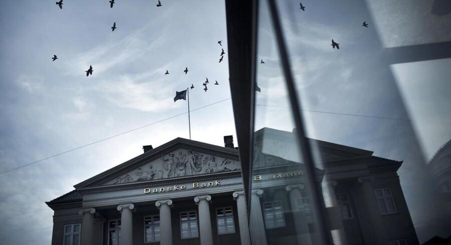 Den toneangivende rapport »Den Danske Pengeinstitutsektor for 2014« fra Niro Invest, risikovurderer 70 af landets pengeinstitutter ud fra deres nøgletal. Danmarks største bank, Danske Bank, går tilbage på listen fra en 19. til en 24. plads.