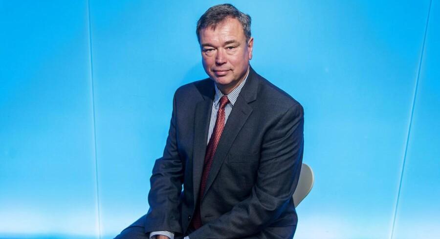 Peder Holk Nielsen, Novozymes, til nye serie om, hvordan danske topchefer ser på udfordringer og muligheder i 2016. Novozymes står over for store udfordringer pga den lave oliepris - de kan blive tvunget til at justere strategien næste år. Fredag den 18. september 2015.