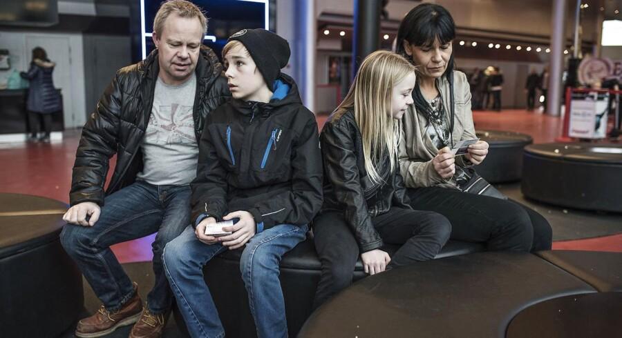 »Vi synes, at det er dyrt. Især med tanke på, at en biograftur skal være et familieforetagende. Jeg tror også, at det er derfor, at vi ikke gør det oftere,« Lisa Boskov Andersen, der sammen med sin familie torsdag var i biografen på Fisketorvet i København.