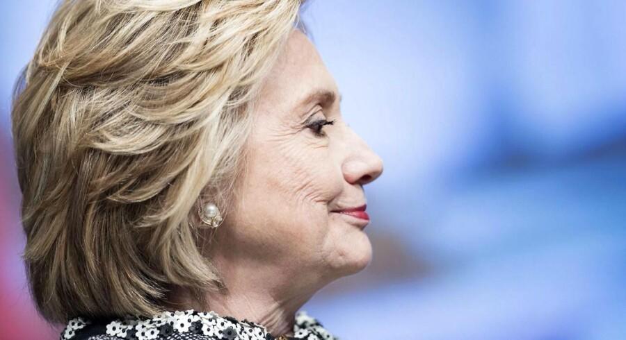 Hilary Clinton har også haft riven ude efter det canadiske medicinalselskab Valeant.