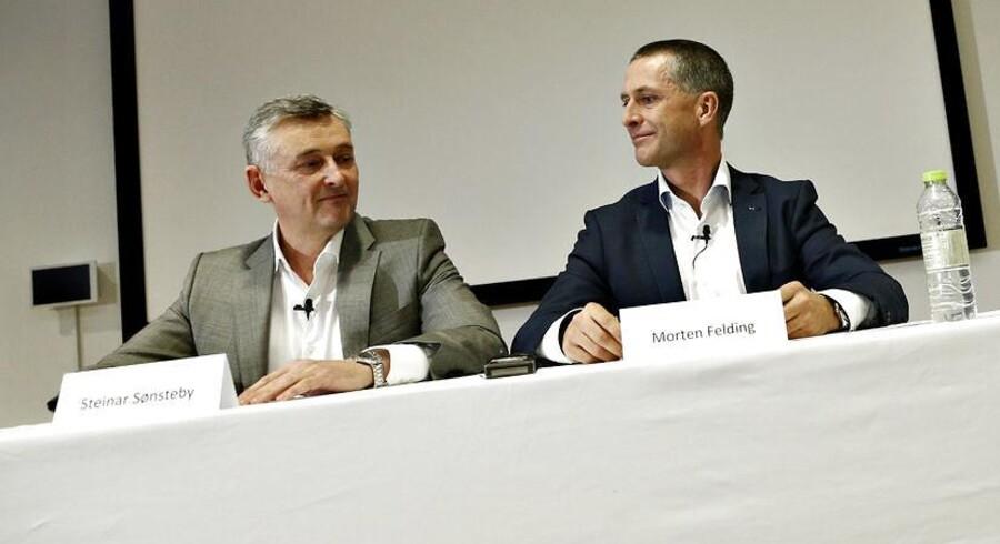 Ateas koncernchef Steinar Sønsteby (tv) og den danske direktør Morten Felding på tirsdagens pressemøde efter politianmeldelsen af en tidligere salgsdirektør