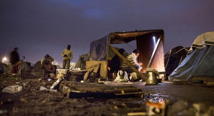 Berlingskes fotograf Asger Ladefoged vinder prisen for Årets Bedste Reportage Udland med sin stærke fotoreportage om de ca. 2.500 illegale flygtninge, der lever i små slumlejre i den nordfranske havneby Calais