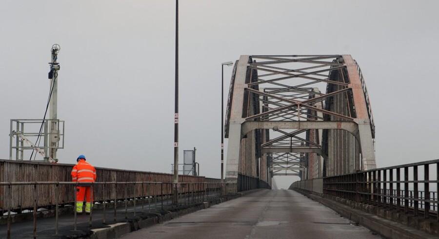 """Den endelige aftale om ny Storstrømsbro er rykket nærmere. Der mangler blot lidt """"rugbrødsarbejdet,"""" mener Venstre.(Foto: Søren Bidstrup/Scanpix 2013)"""