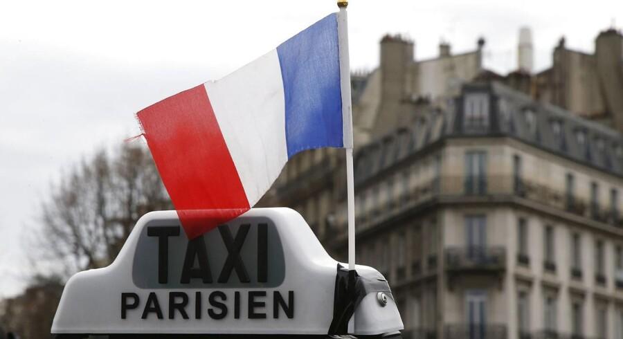 Selskabet Uber presser taxabranchen hårdt i Paris.
