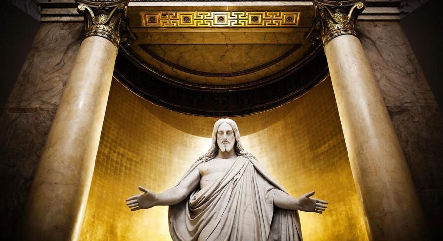 Arkivfoto. Bertel Thorvaldsens næsten 3, 5 m høje statue over alteret i Vor Frue Kirke.