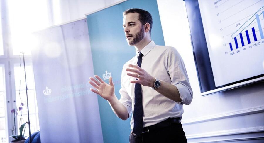 Økonomi- og indenrigsminister Morten Østergaard (R) præsenterer årets sidste Økonomiske Redegørelse.