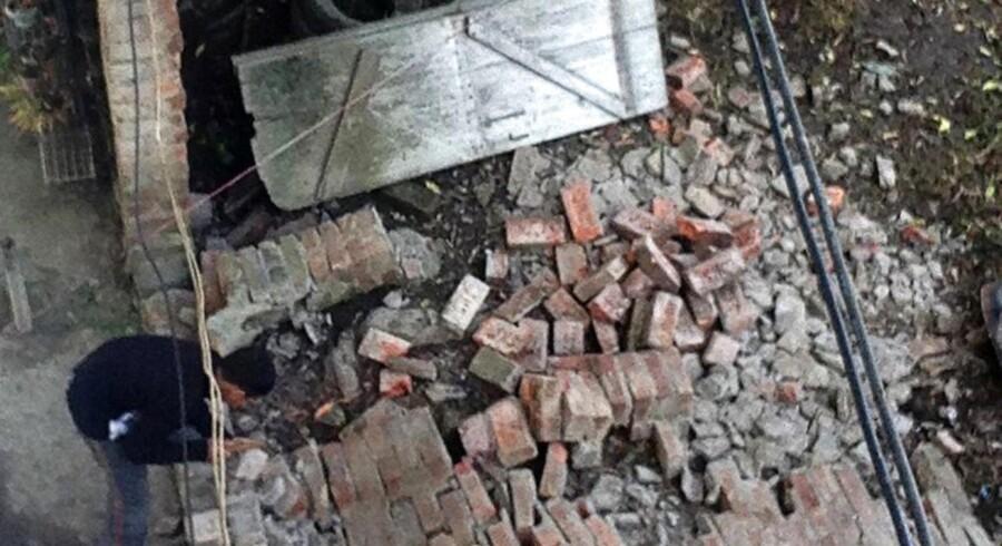 Et stort jordskælv har dræbt flere i Indien.