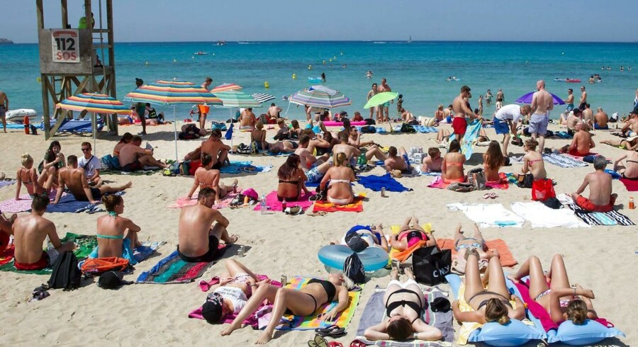 Danskerne gider ikke sommervejret herhjemme, så rejseselskaber oplever stor travlhed og sender feriefolket af sted til lande som Spanien, Grækenland og Tyrkiet.