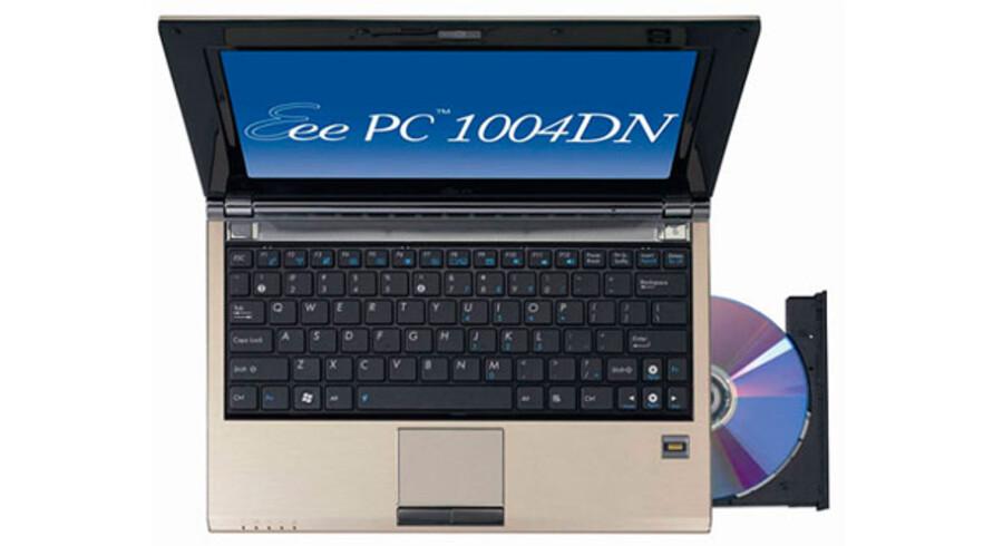 Selv om de er små, kan mini-PCerne alligevel udstyres med DVD-drev. Men nu satser Asus på at sælge helt tynde men lidt større bærbare PCer. Foto: Asustek