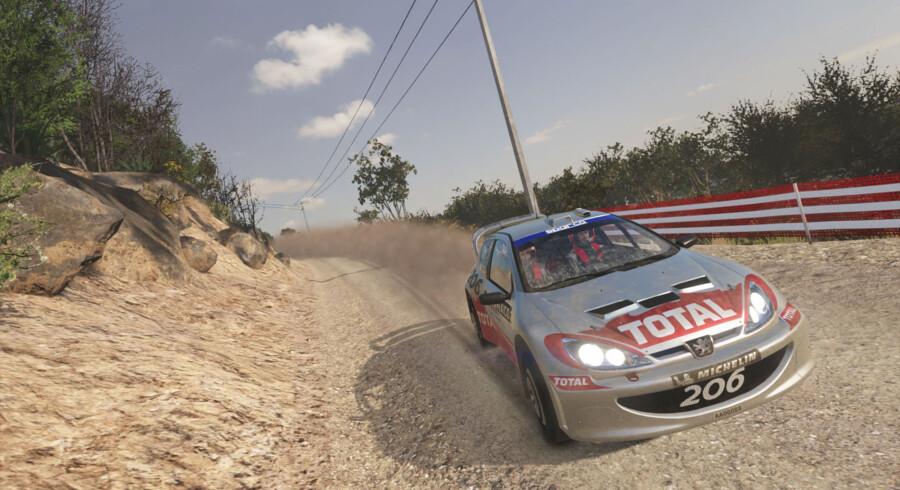 »Sebastien Loeb Rally Evo« forsøger at ændre på det faktum, at rallyræsgenren er stangerende, og lykkedes også – et stykke hen ad vejen.