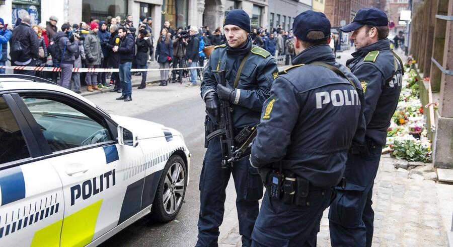 Politibemanding ved den jødiske synagoge på Krystalgade i København efter terrorangrebet i februar.