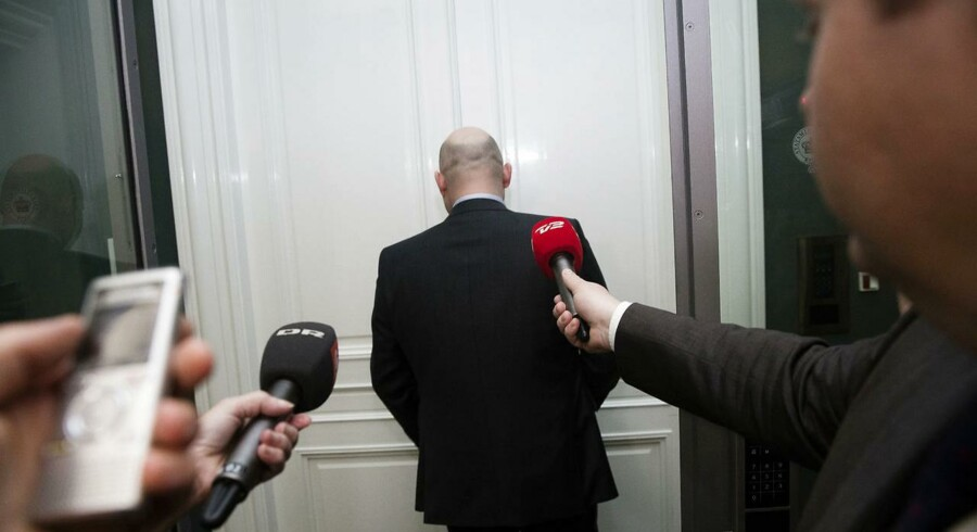Søren Pape på vej til møde i Statsministeriet på Christiansborg, hvor de konservative tidligere på aftenen udtrykte mistillid til Eva Kjer Hansen.