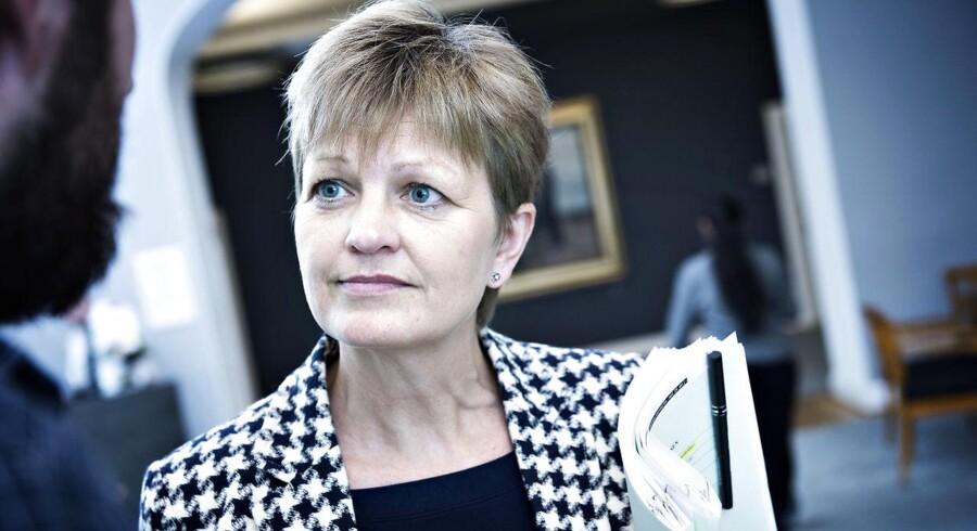 »Jeg har hverken vildledt eller givet ukorrekte oplysninger,« siger Eva Kjer Hansen, efter at flere topforskere over for Berlingske har sat spørgsmålstegn ved de metoder, som er benyttet til at beregne miljøeffekten af landbrugspakken.