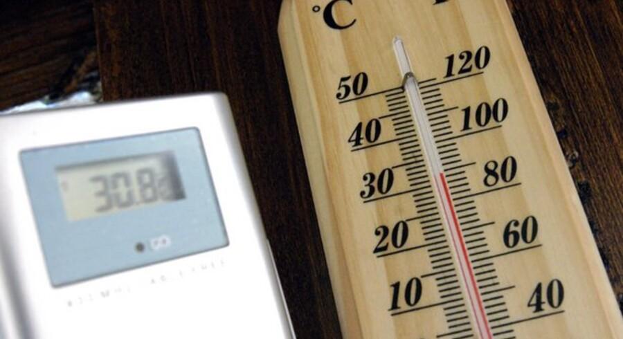 Der skal skrues grundigt ned for blusset for at få elregningen bragt ned og dermed gjort IT mere klimavenligt. Foto: Colourbox