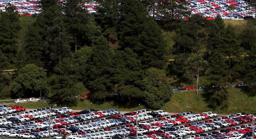 Flere tusind spritnye VW-biler er klar til at rulle ud. Her fra en VW-fabrik i Brasilien.