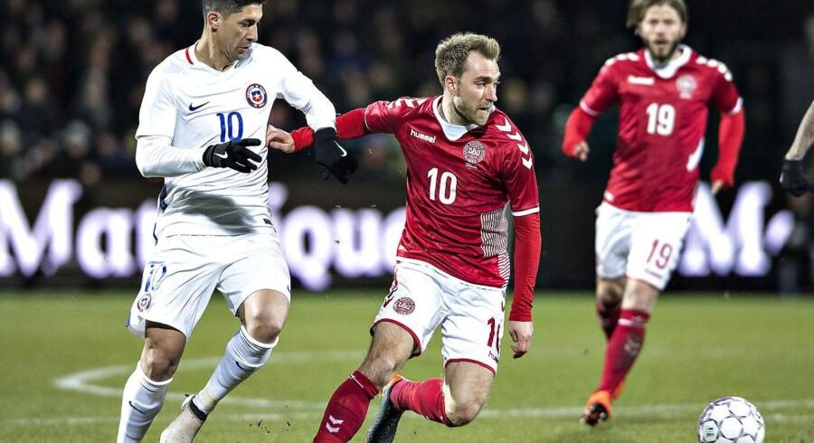 Christian Eriksen og det danske fodboldlandshold skal modtage undervisning om menneskerettigheder i Rusland før VM-slutrunden i landet.