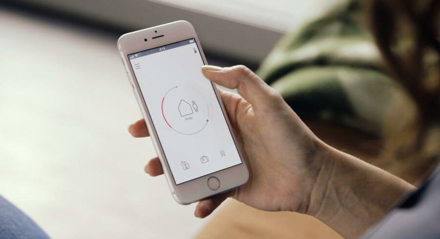 Med Danfoss' app kan man styre temperaturen i hjemmet med telefonen - også selvom man befinder sig på et helt andet sted.