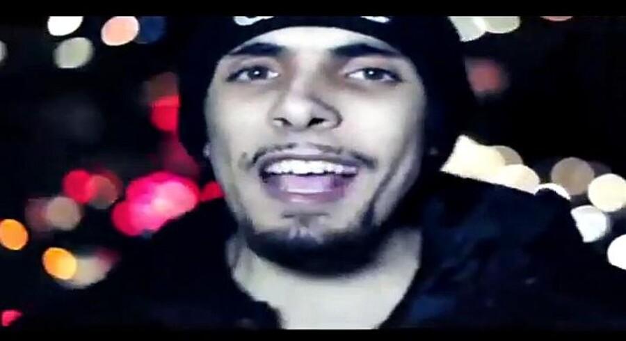 Den 23-årige britiske rapper Abdel Bary er mistænkt for at være manden bag henrettelsen af den amerikanske journalist James Foley. Foto fra YouTube