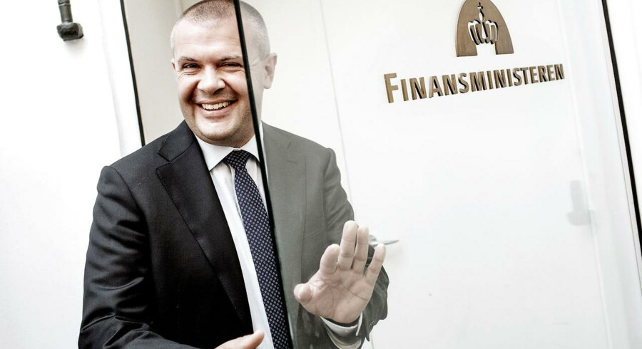 Finansminister Bjarne Corydon ser milliarder fra pensionsopsparinger rulle ind i statskassen