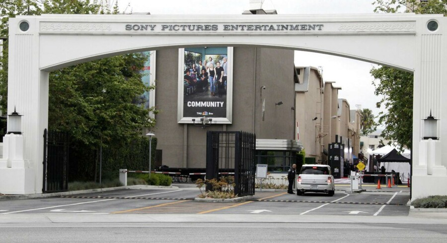 Sony Pictures i Californien har fået stjålet fem spillefilm, der er lagt på nettet før premieren, efter et alvorligt hackerangreb i sidste uge. Sporene peger i retning af Nordkorea. Arkivfoto: Fred Prouser, Reuters/Scanpix
