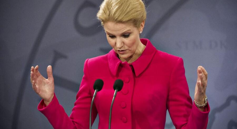 Statsminister Helle Thorning-Schmidt (S) havde op til valget sat al prestige ind på at overbevise danskerne om, at man kunne finde 12 milliarder kroner ved at lade lønmodtagerne arbejde mere