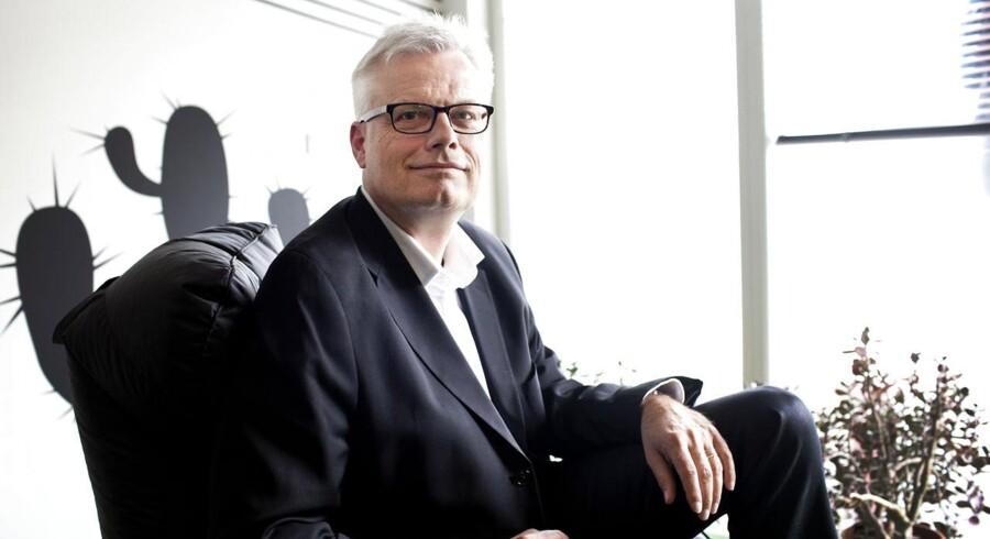 Jørgen Bardenfleth viger pladsen som direktør for Microsoft Danmark efter blot otte på posten. Ny mand på posten bliver Niels Soelberg, der hidtil har bestridt en anden toppost i Microsoft.