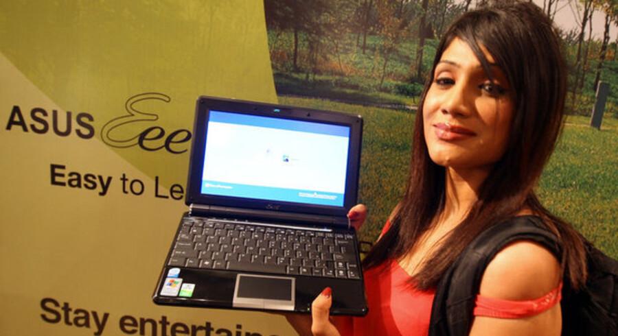 De er små, handy og billige, de nye mini-PCer, og det er dem, der holder hele PC-salget oppe. Foto: Indranil Mukherjee, AFP/Scanpix