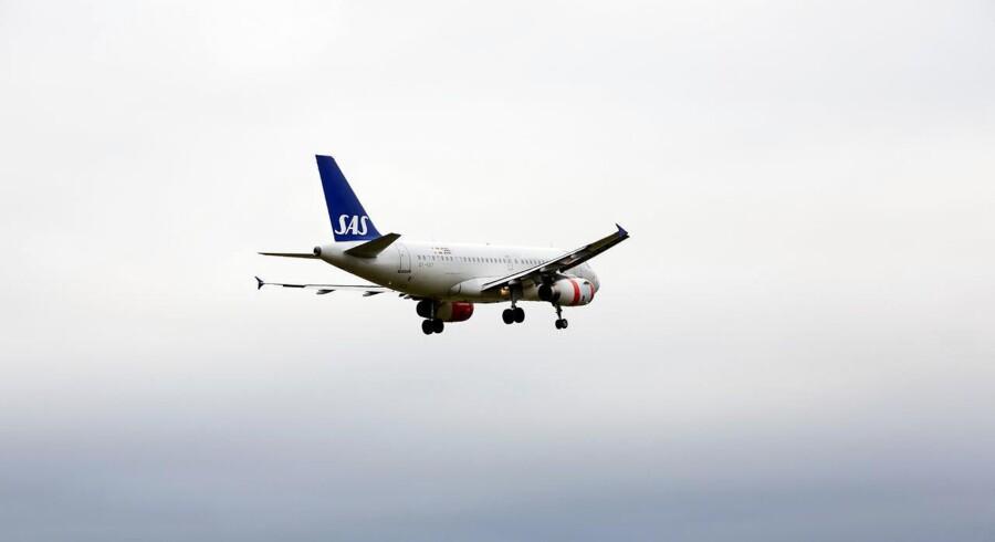 Selvom prisen på brændstof til fly er faldet, afspejler det sig ikke i det tillæg, SAS opkræver for brændstof.