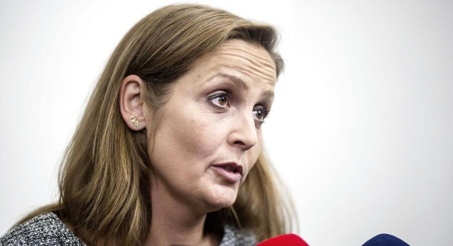 »Det her kan ændre den unikke danske natur markant, og det grænser derfor til uærlighed, når regeringen får det til at lyde som om, at det kun handler om klubhuse og gyngestativer,« siger Pia Olsen Dyhr.