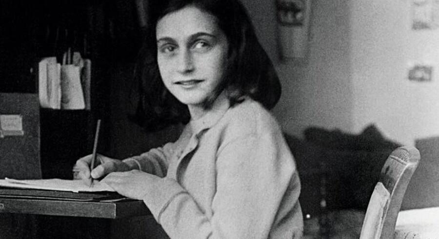 Anne Frank skrev sin berømte dagbog, mens hun og familien blev holdt skjult for nazisterne i Amsterdam.