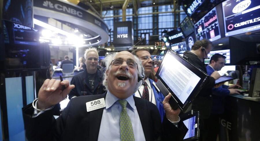 De amerikanske aktiemarkeder var tirsdag tilbage for fuld udblæsning. Investorerne skulle indhente de kraftige stigninger, som de europæiske og især de asiatiske markeder havde i løbet af mandagens amerikanske Presidents' Day helligdag.