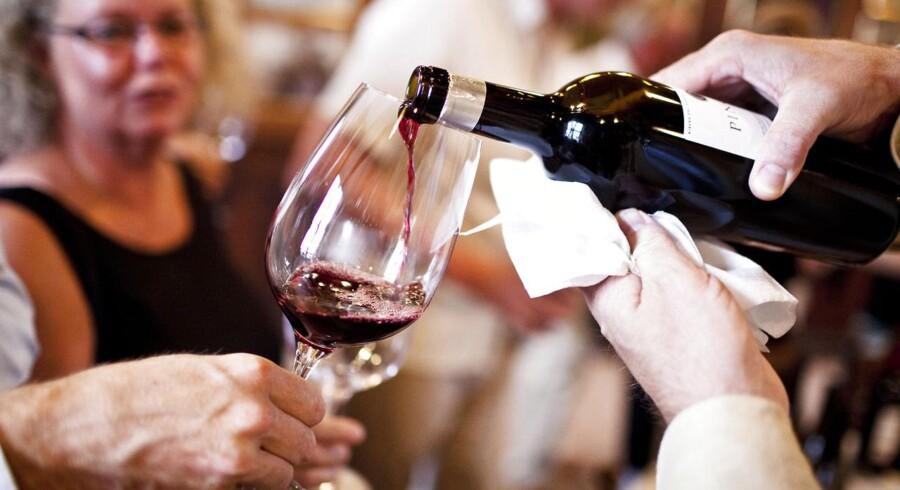 Her er vi til vinsmagning med Peter Sisseck og Jacques Selosse, hvor der skænkes vin fra Pingus op til gæsterne. Mindre kan gøre det.