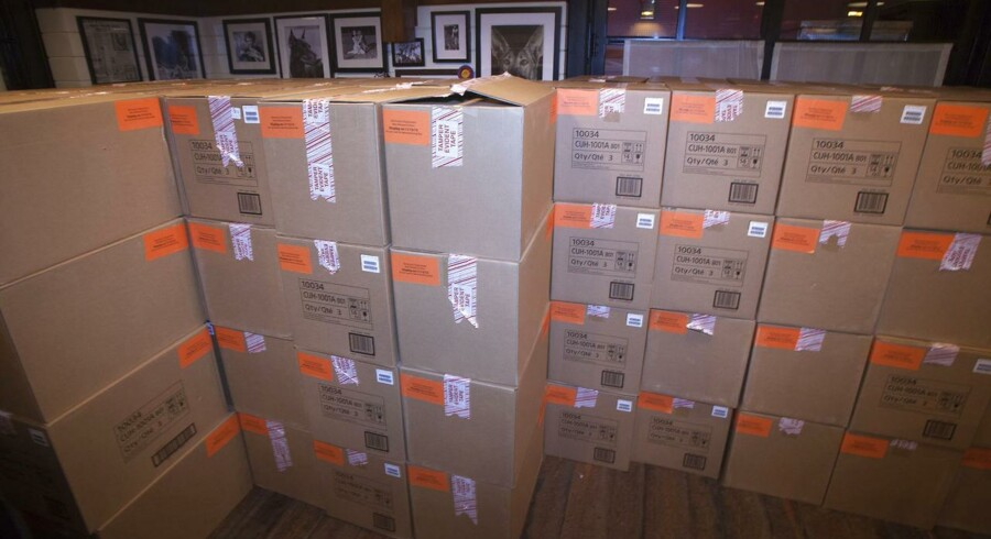 Kasserne med den nye Playstation 4 er klar til fredagens premiere, her i New York. Foto: Carlo Allegri, Reuters/Scanpix