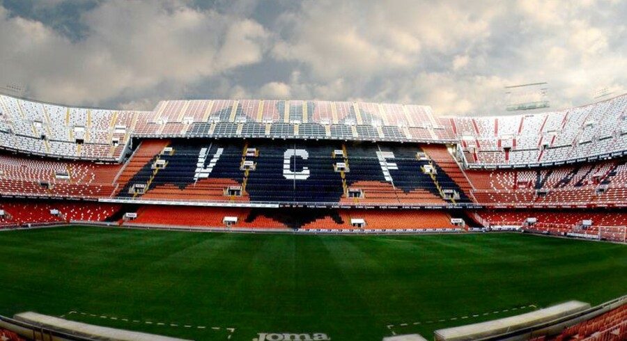 Logoet hos fodboldklubben Valencia CF er et flagermus, som også pryder klubbens stadion.