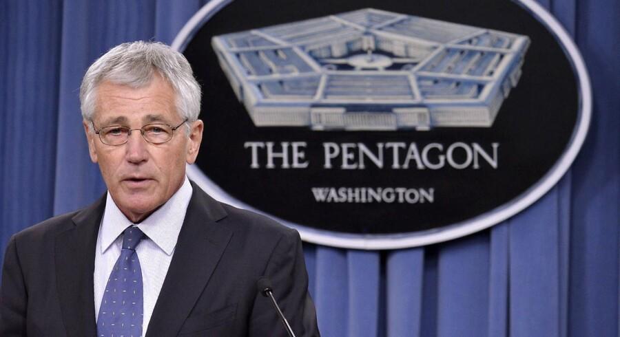 Den amerikanske forsvarsminister, Chuck Hagel, har afsløret planer om at skære markant i størrelsen på den amerikanske hær.
