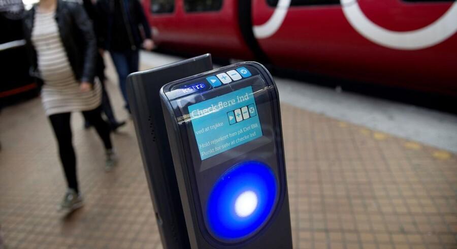 Casper Bang, der tidligere på året blev kendt som manden bag en app, der gør det muligt at afkode data direkte fra et rejsekort, har indgået et officielt samarbejde med Rejsekort A/S.