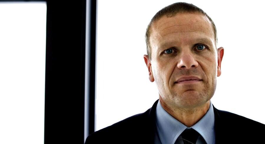 Den 51-årige jurist Lars Findsen, som siden 2007 havde været departementschef i Forsvarsministeriet, måtte mod sin vilje bytte stol med den daværende FE-chef, Thomas Ahrenkiel i december 2015.