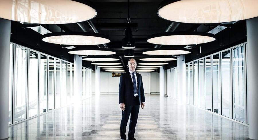 Københavns Lufthavn er klar til at tage imod endnu flere langdistancefly i en ny tilbygning på lufthavnens »C-finger«. Thomas Woldbye, adm. direktør i lufthavnen viser rundt.