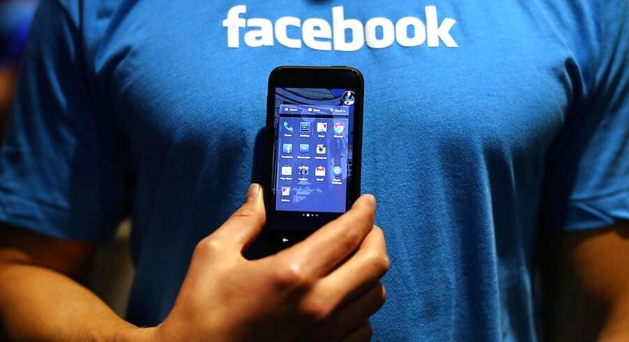 Facebook-softwaren Home lægger sig oven på Android-styresystemet, så alle Facebook-funktioner overtager startskærmen - og det har skræmmende udsigter, mener mange. Foto: Justin Sullivan, AFP/Scanpix