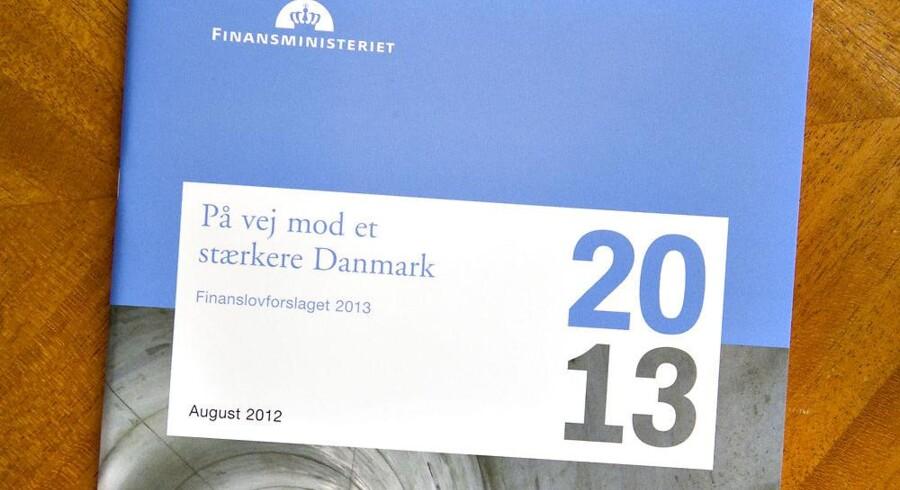 Finanslovsforslaget, som regeringen fremlagde mandag, fordeler også de penge, som kommer ind fra salget af mobillicenser i Danmark. Foto: Jens Nørgaard Larsen, Scanpix