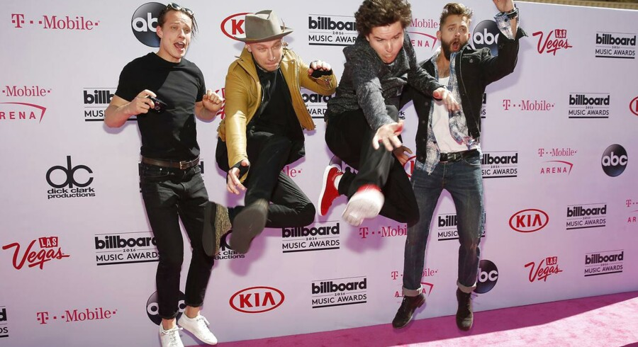 Lukas Graham ankommer til 2016 Billboard Awards i Las Vegas, Nevada.